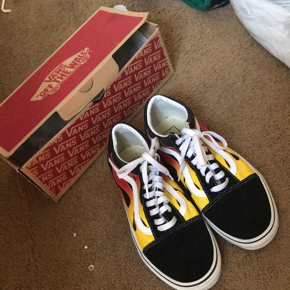 3387a228 Flame fire vans (comes with box)